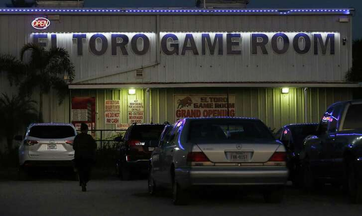 The El Toro Game Room in Lyford, Texas is one of several 8-liner gaming halls in Willacy County. In nearby Raymondville, Texas the federal prison is closed, the Walmart has left, retail sales are down and the local economy is in the pits, except for the booming 8-liners that attract hundreds of players each Friday and Saturday night. Local newspaper publisher Paul Whitworth is on a crusade to close them, but thus far, without much help from law enforcement.