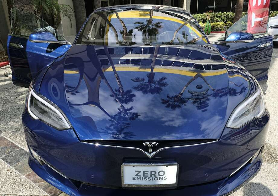 This Monday, Oct. 24, 2016, photo shows a Tesla Model S on display in downtown Los Angeles. Tesla Motors reports financial results Wednesday, Oct. 26, 2016. Video footage that surfaced Tuesday shows the reaction of Tesla's Autopilot feature when a car accident occured in front of the vehicle. Photo: Richard Vogel, Associated Press