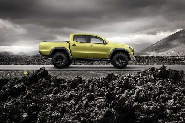 Mercedes-Benz Concept X-CLASS powerful adventurer.