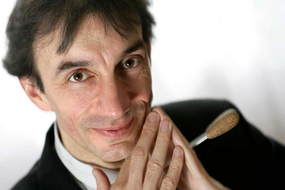 Conductor Bruno Ferrandis Photo: Clay McLachlan / ClayPix.com