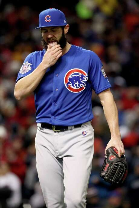Cubs starter Jake Arrieta leaves the mound in the sixth, an inning that started with Arrieta having not allowed a hit. Photo: Ezra Shaw, Staff / 2016 Getty Images