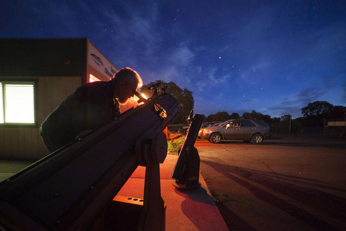 Stargazing at the Taylor Observatory in Kelseyville, California, USA 22 Oct 2016. (Peter DaSilva/Special to The Chronicle)