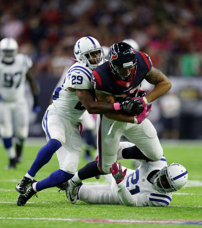 The NFL's TV ratings have taken a slight dip nationwide, but the numbers for Texans games actually are up from a year ago, with the Oct. 16 NBC game against the Colts drawing 1,017,000 local viewers. Photo: Karen Warren, Staff Photographer / 2016 Houston Chronicle