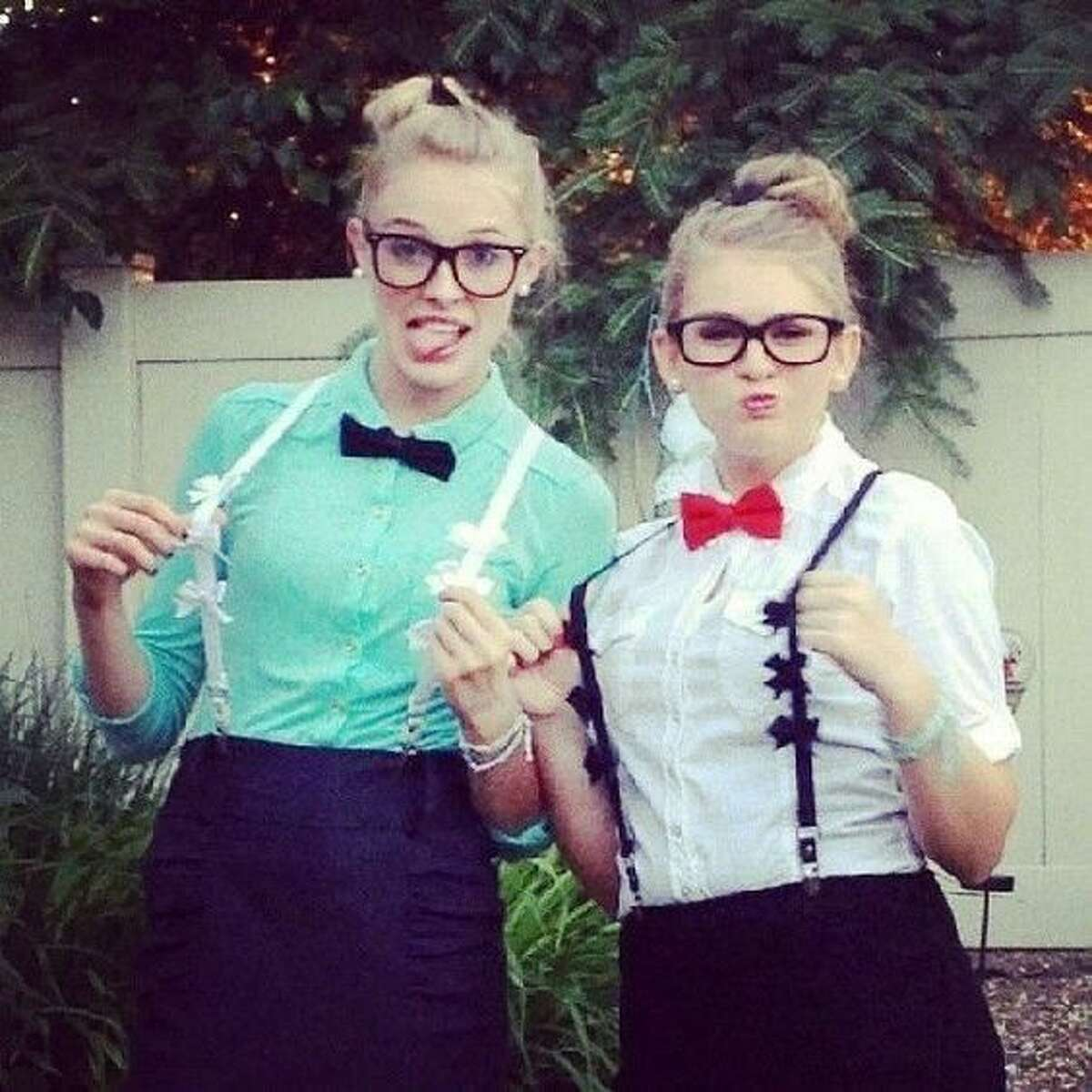 NerdsWhat you'll need:- Glasses- Suspenders(other accessories optional) Photo:Pinterest
