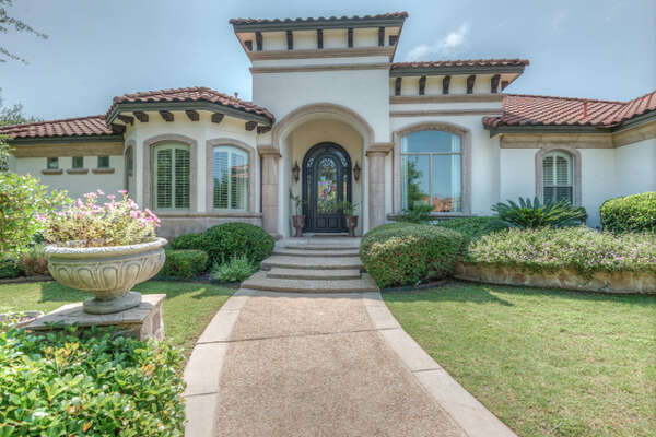 VIEW DETAILS for 123 Manchester Way, Shavano Park, TX 78249   