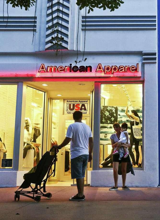 American Apparel will be closing all of its retail stores by the end of April 2017. Photo: Scott McIntyre /Bloomberg News / © 2016 Bloomberg Finance LP