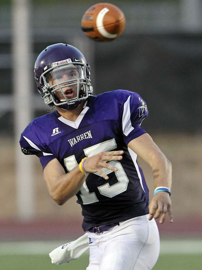 Warren quarterback Rex Dausin.  Photo: Tom Reel /San Antonio Express-News / ¨ 2011 San Antonio Express-News