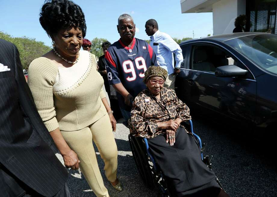 Fort Bend County resident Emma Primas, 111, has voted in every election since she was 19 years old. Photo: Yi-Chin Lee, Staff / © 2016  Houston Chronicle