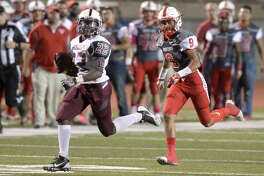 Lee running back Josh Traylor (22) runs the ball for a touchdown against Odessa High on Friday, Oct. 14, 2016, at Ratliff Stadium.
