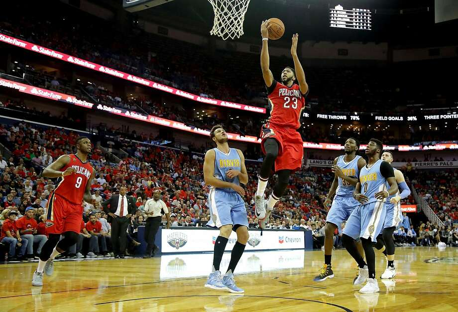 NEW ORLEANS, LA - OCTOBER 26:  Anthony Davis #23 of the New Orleans Pelicans shoots over Will Barton #5 of the Denver Nuggets during the second quarter at the Smoothie King Center on October 26, 2016 in New Orleans, Louisiana. NOTE TO USER: User expressly acknowledges and agrees that, by downloading and or using this photograph, User is consenting to the terms of the Getty Images License Agreement. (Photo by Sean Gardner/Getty Images) Photo: Sean Gardner, Getty Images