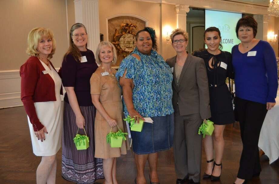 gracewood single girls Guest speakers included toy wood, ceo of the ghba and luncheon underwriter bette moser, executive director of homeaid sandra carpenter, executive director of angel.