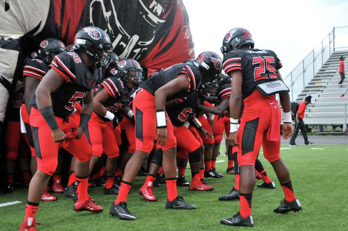 2. Port Arthur Memorial (8-0) This Week: The Titans moved a win away from a District 22-5A title with a 49-10 win over Lee. Next: plays at No. 6 Vidor
