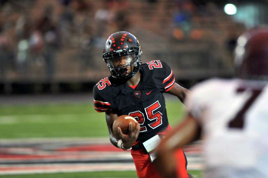 School: Port Arthur MemorialClassification: SeniorHeight: 5'8Weight: 170Resume:Hines is arguably the best back returning from the 2016 season after rushing for 1,337 yards and 17 touchdowns in a breakout junior year. Photo: Mike Tobias/The Enterprise