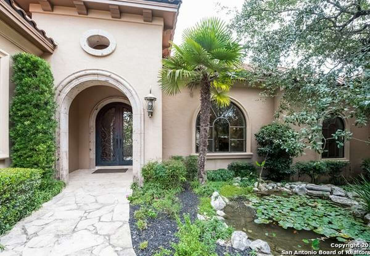 San Antonio Spurs star Manu Ginobili listed his home in The Dominion with amenities like a wine cellar and private outdoor