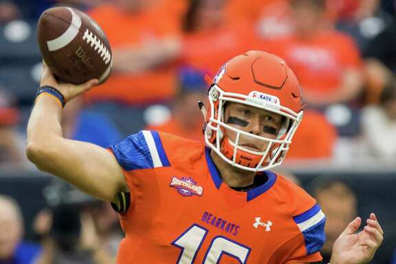 Sam Houston State quarterback Jeremiah Briscoe (16) attempts a pass in the Battle of the Piney Woods, NCAA Football Championship Subdivision football game at NRG Stadium on Saturday, October 1, 2016, in Houston. (Joe Buvid / For the Houston Chronicle)