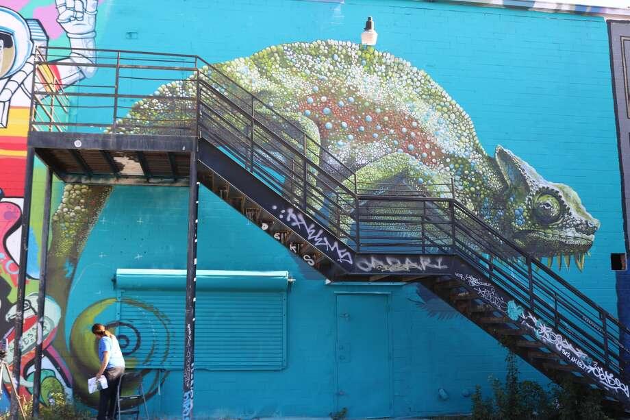 Street Art: Anat Ronen at the HUE Mural Festival 2016 in Houston.