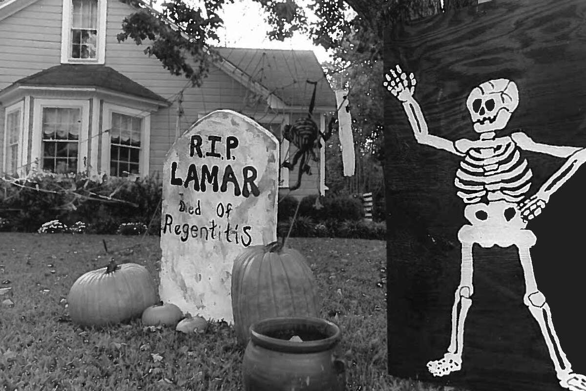This 90s Halloween display at the west Beaumont home of Lee Withers inspired a new T-shirt critical of Lamar University regents. Photo taken Oct. 21, 1992.