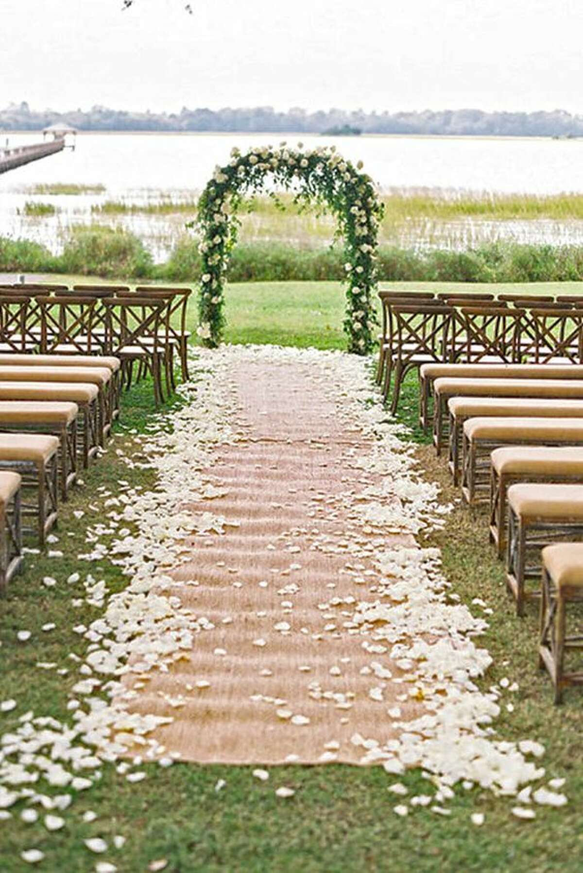 Walk your way:Scarp what you think about burlap. The material will add the perfect rustic touch to any Texas wedding. Photo: Pinterest