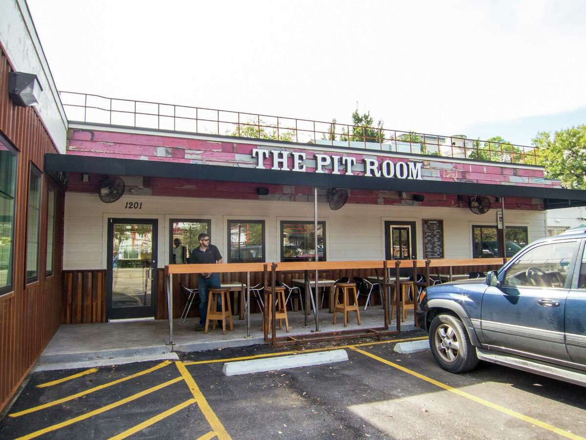 The Pit Room in Montrose recently took over the bar next door (formerly Jackson's Watering Hole, now called The Patio on Richmond) for extra seating.