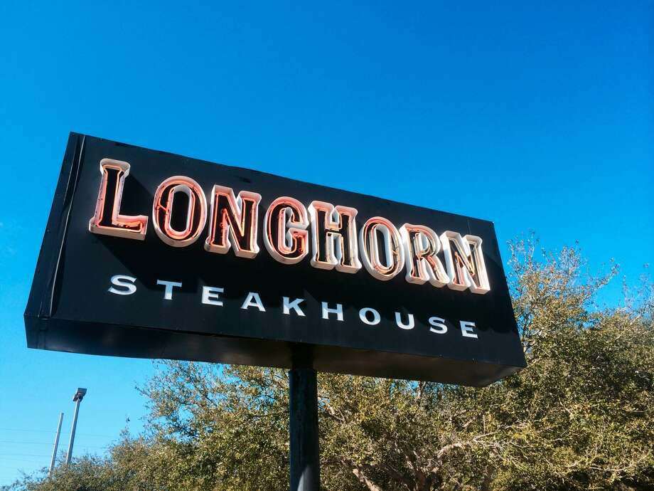 Sign for Longhorn Steakhouse at Jacksonville Beach, Florida, USA. Photo: Diane Macdonald#80374/Moment Editorial/Getty Images