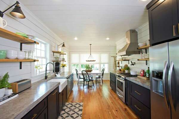 A Weekend In Magnolia House Chip And Joanna Gaines