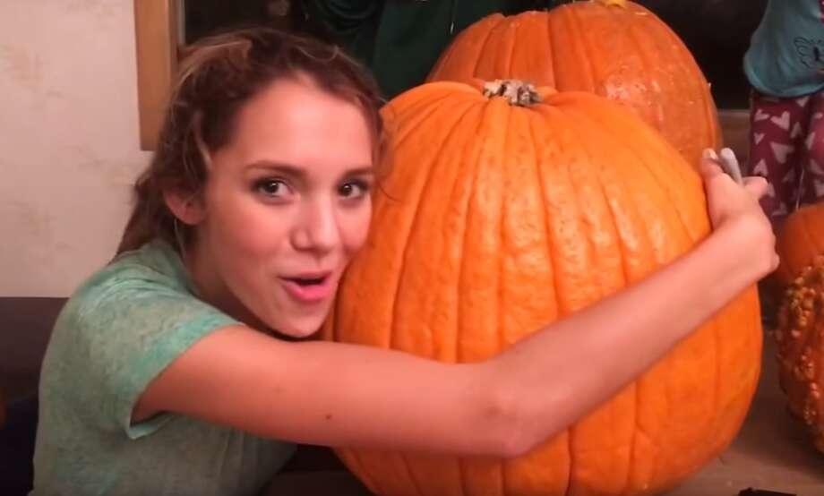 Teen gets her head stuck in a pumpkin, mom posts to Facebook, goes viral