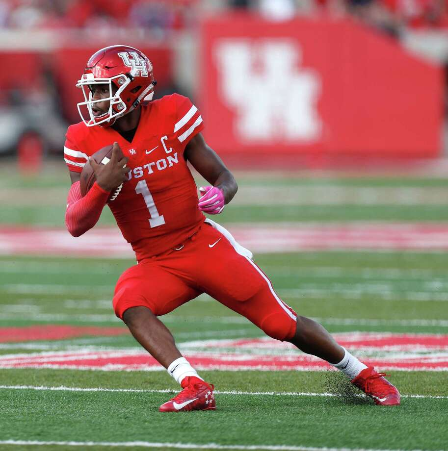 Houston Cougars quarterback Greg Ward Jr. (1) runs the ball during the second quarter of a college football game at TDECU Stadium, Saturday,Oct. 29, 2016 in Houston. Photo: Karen Warren, Houston Chronicle / 2016 Houston Chronicle