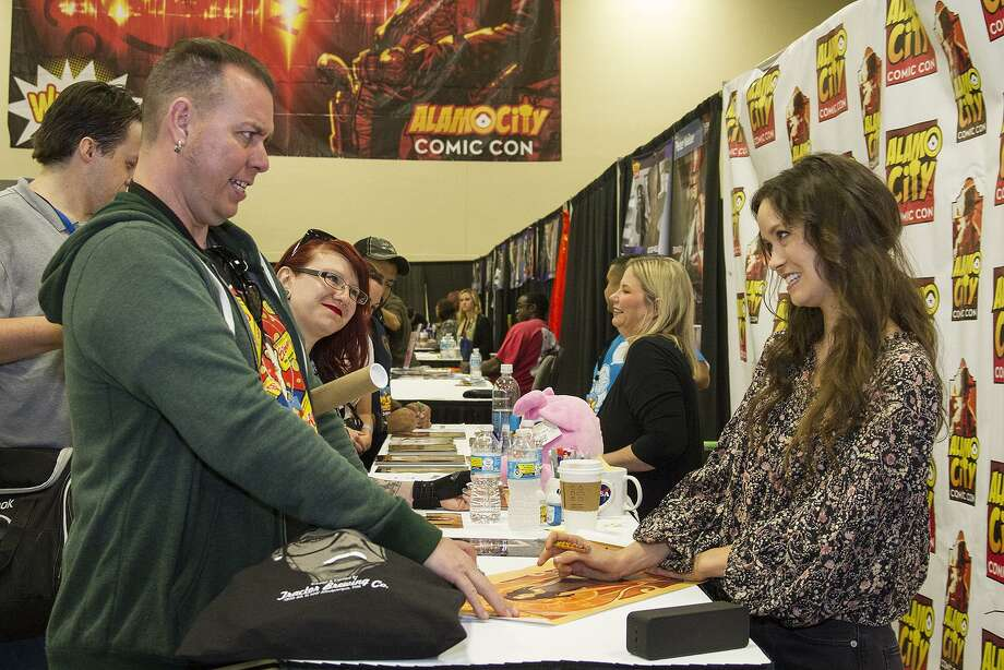 Jason Charles meeting Summer Glau, Saturday, Oct. 29, 2016 at Alamo City Comic Con. Charles traveled from El Paso to the convention. Photo: Alma E. Hernandez, For The San Antonio Express News / Alma E. Hernandez / For The San Antonio Express News