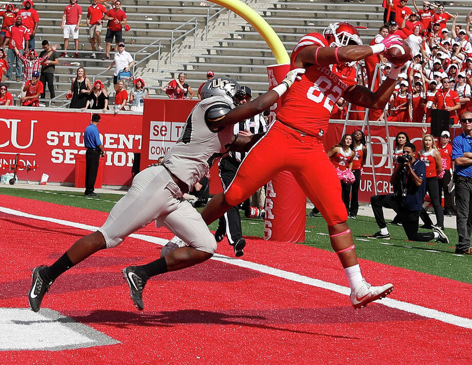 Romello Brooker should figure to get the bulk of the workload at tight end for UH next season. Photo: Karen Warren, Staff Photographer / 2016 Houston Chronicle