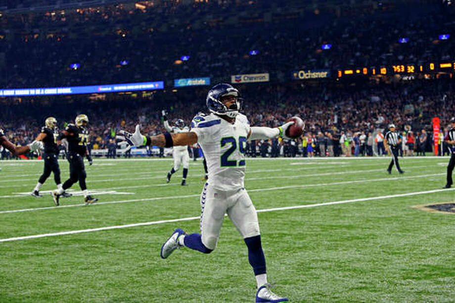 Seattle Seahawks free safety Earl Thomas (29) returns a fumble for a touchdown in the first half of an NFL football game against the New Orleans Saints in New Orleans, Sunday, Oct. 30, 2016. (AP Photo/Butch Dill) Photo: 20161030seahawksA