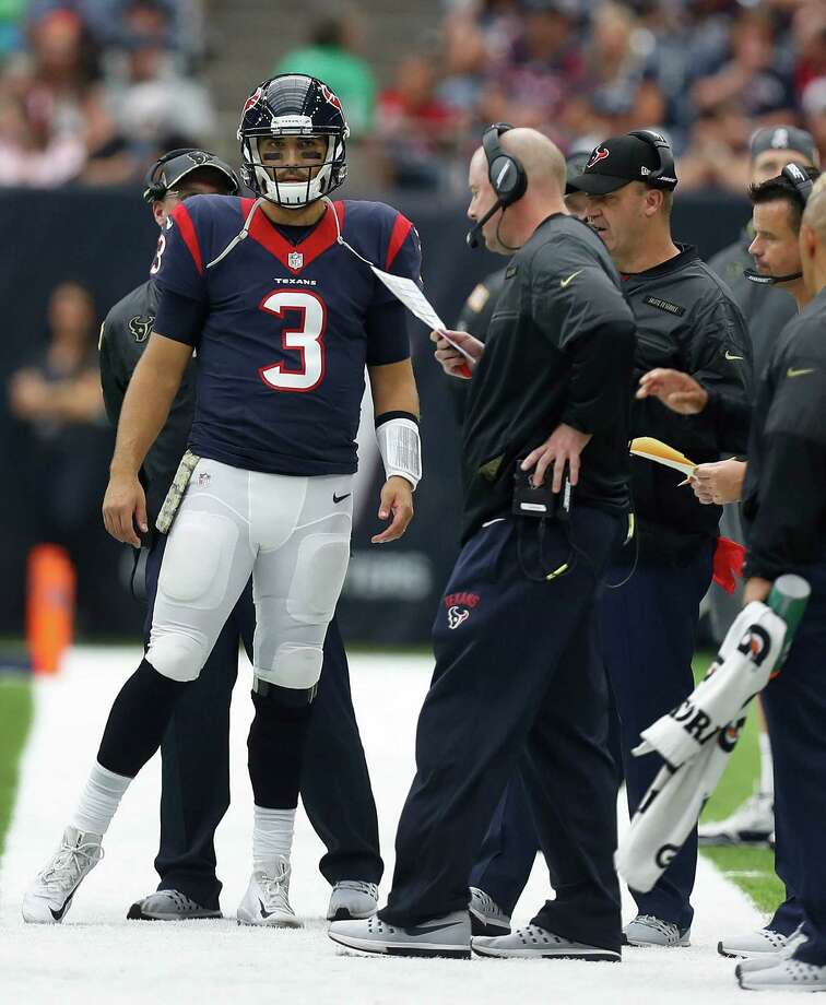 Houston Texans quarterback Tom Savage (3) on the sidelines during the fourth quarter an NFL football game at NRG Stadium, Sunday,Oct. 30, 2016 in Houston. Photo: Karen Warren, Houston Chronicle / 2016 Houston Chronicle