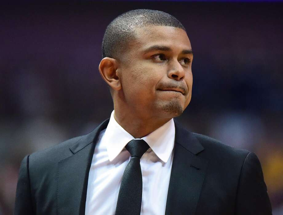 ANAHEIM, CA - OCTOBER 21:  Earl Watson of the Phoenix Suns watches play during a 98-94 preseason win over the Los Angeles Lakers at Honda Center on October 21, 2016 in Anaheim, California.  NOTE TO USER: User expressly acknowledges and agrees that, by downloading and or using this photograph, User is consenting to the terms and conditions of the Getty Images License Agreement.  (Photo by Harry How/Getty Images) Photo: Harry How, Getty Images