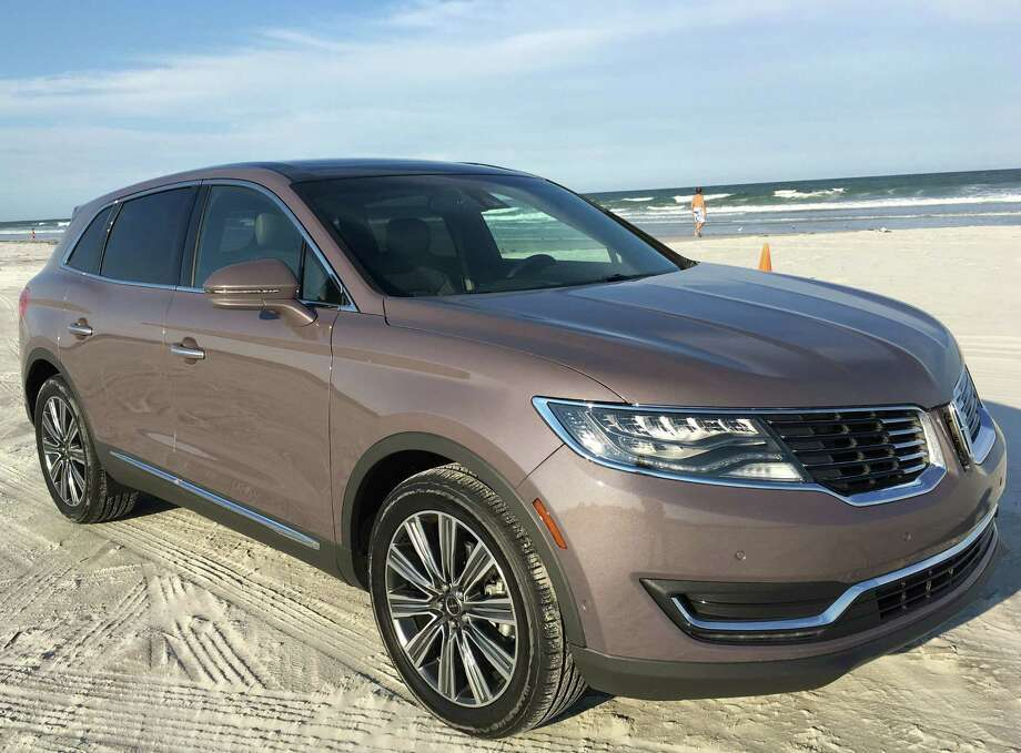 The Lincoln MKX luxury crossover has been redesigned for 2016, and now features the option of a 2.7-liter twin-turbocharged EcoBoost V-6 engine, which cranks out 335 horsepower and 380 foot-pounds of torque. Photo: G. Chambers Williams III