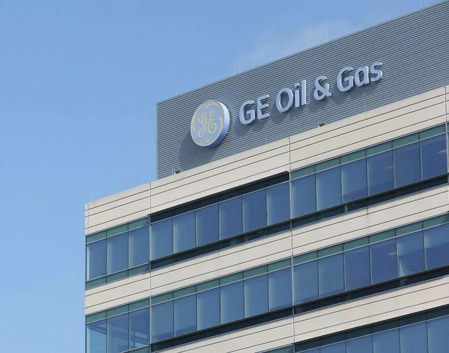 General Electric is taking advantage of a prolonged energy slump to become a bigger player in the oil and gas drilling business by combining its oil and gas operations with those of Baker Hughes Inc. Photo: Jon Shapley /Houston Chronicle / Houston Chronicle