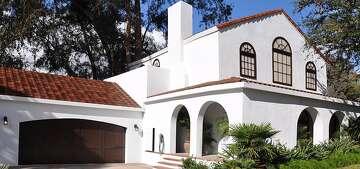 Tesla Solar Panels Cost >> Tesla Roof Challenges Solar Panel Industry Sfchronicle Com
