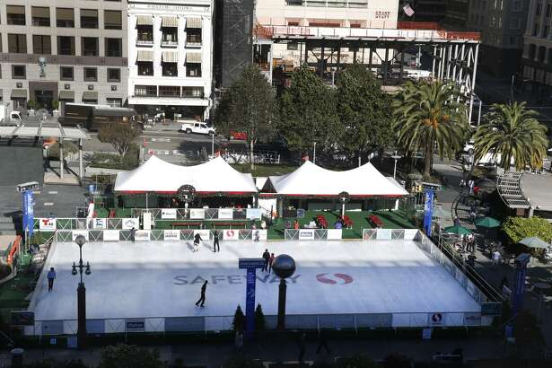 The ice skating rink on Union Square opens for the holiday season in San Francisco, Calif. on Wednesday, Nov. 4, 2015. (Paul Chinn/SF Chronicle)