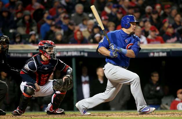 The Chicago Cubs' Kyle Schwarber hits an RBI single in the third inning against the Cleveland Indians during Game 2 of the World Series on Wednesday, Oct. 26, 2016, at Progressive Field in Cleveland. The Cubs won, 5-1, to even the series. (Brian Cassella/Chicago Tribune/TNS) Photo: Brian Cassella, TNS