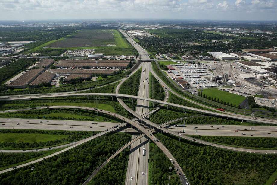 Interstate 10 near Loop 610 east of Houston, as seen on Sept. 7. The interchange is a crucial connection for freight coming to and from industrial areas on the city's eastern side along the Houston Ship Channel. Photo: Michael Ciaglo, Staff / © 2016  Houston Chronicle