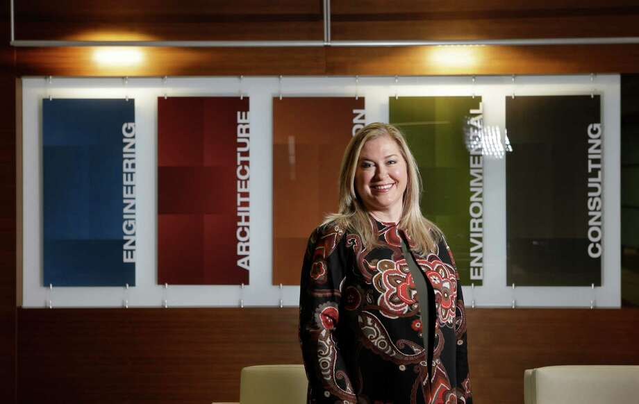 Executive Leslie Duke says employees have a vested interest in success. Photo: Melissa Phillip, Staff / © 2016 Houston Chronicle