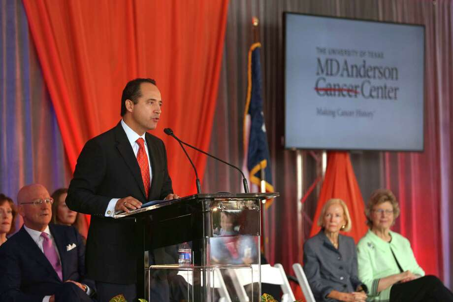 Texas Senator Jose Menendez speaks Tuesday, Nov. 1, 2016 during an event announcing the creation of the UT Health San Antonio MD Anderson Cancer Center. Photo: William Luther, San Antonio Express-News / © 2016 San Antonio Express-News