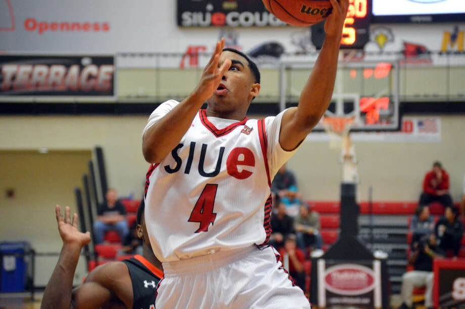SIUE sophomore guard C.J. Carr goes up for a layup midway through the first half against Campbell on Tuesday.
