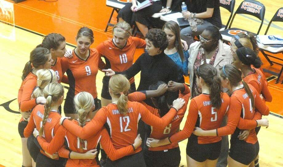 Edwardsville Tiger head coach Jami Parker talks with her team on Thursday at Lucco-Jackson Gym. The Tigers defeated Granite City 2-0 Thursday in their Southwestern Conference opener.