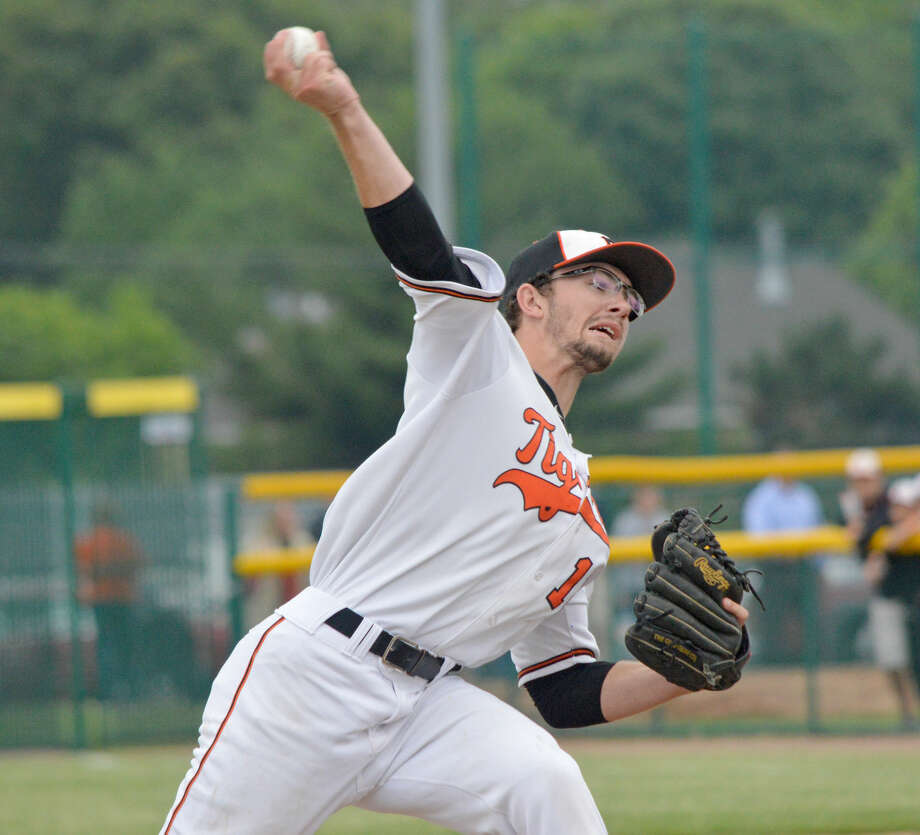 Edwardsville starter Daniel Lloyd delivers a pitch in Monday's Class 4A regional final against Alton at Tom Pile Field. Photo: Intelligencer Sports Staff