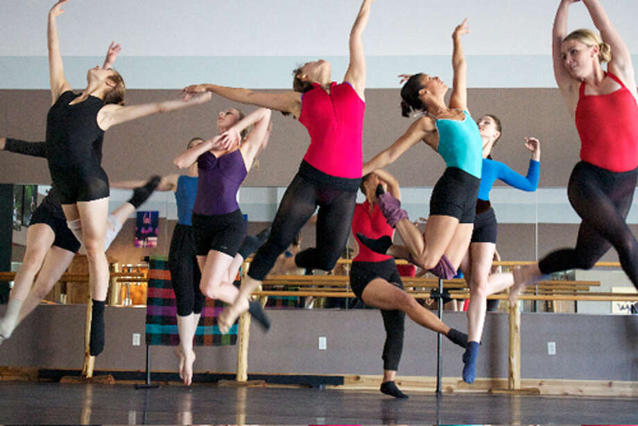 Common Thread Contemporary Dance Company during rehearsals Photo: For The Edge