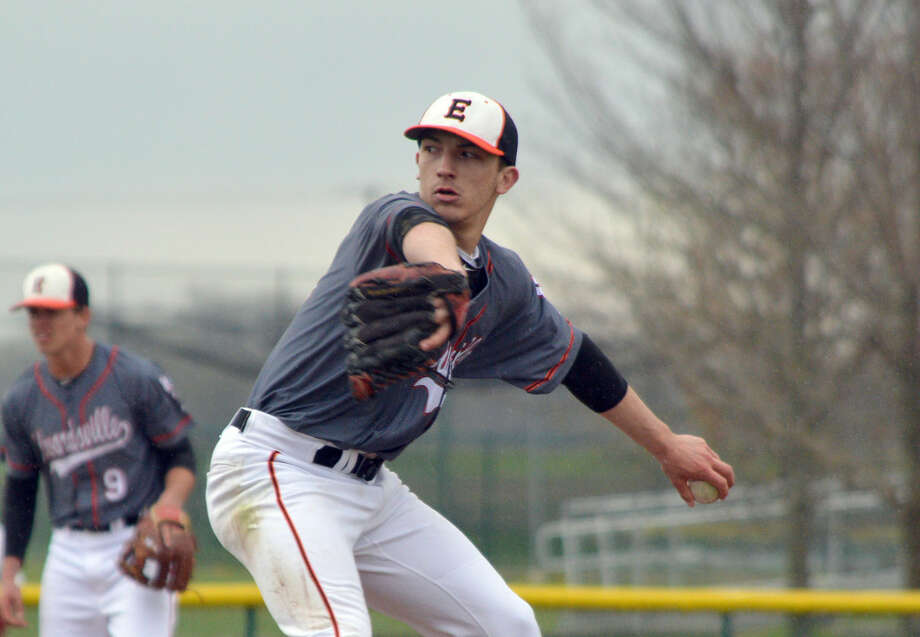 Edwardsville pitcher Tyler Hosto throws a pitch during the third inning of Thursday's game.