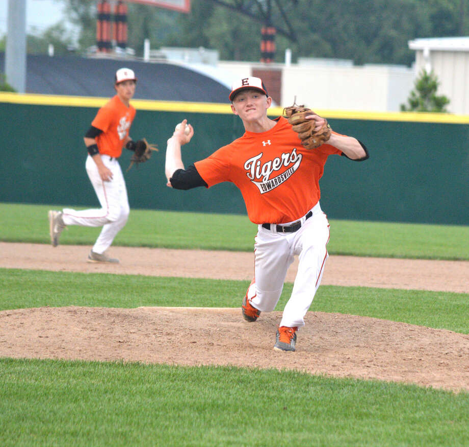 Edwardsville's Andrew Yancik delivers a pitch during a recent game against the St. Louis Pirates 17U.