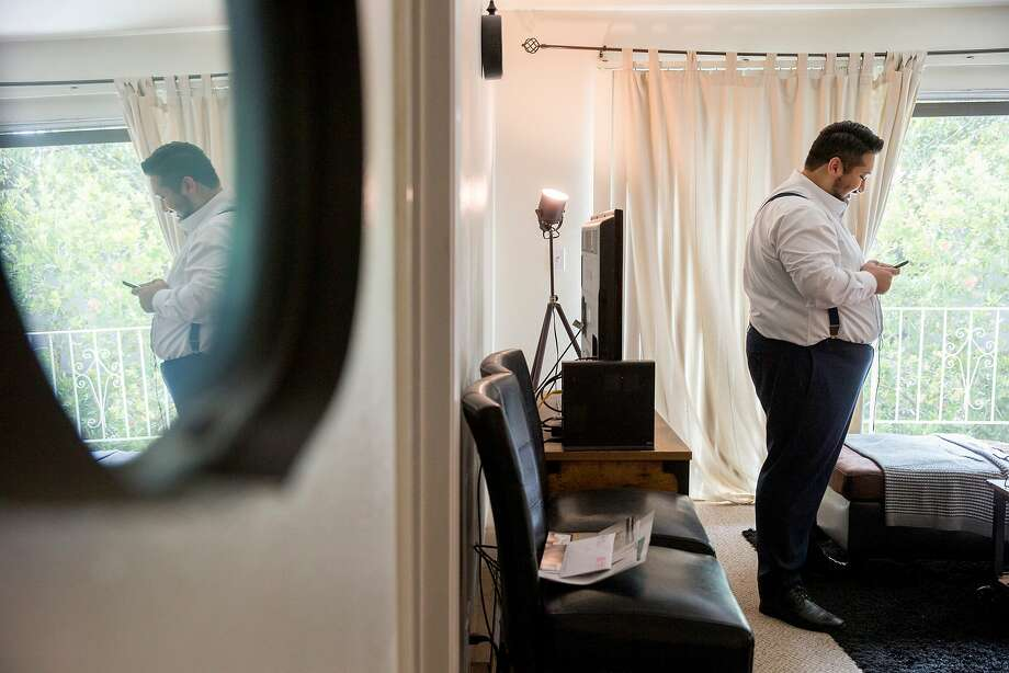Ahmad Rafah makes phone calls to request donations for his campaign at his home campaign headquarters, on Friday, Oct. 28, 2016 in Santa Clara, Calif. Rafah is an Afghan refugee who is running for City Council in Santa Clara. Photo: Santiago Mejia, The Chronicle