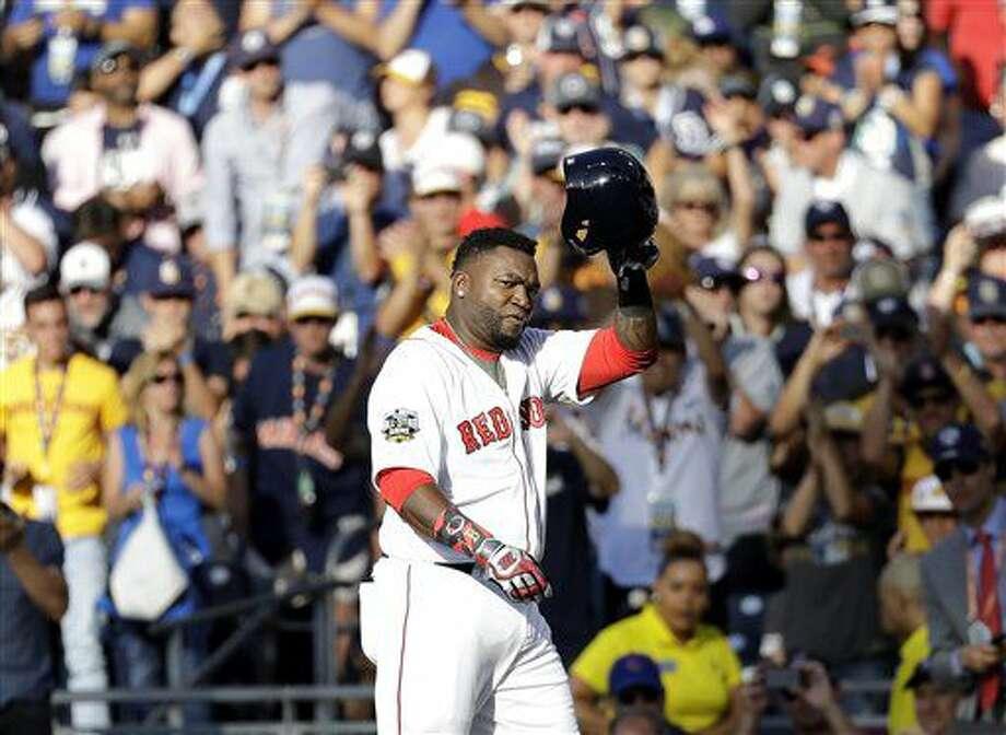 El dominicano David Ortiz, de los Medias Rojas de Boston, abandona el terreno en el segundo inning del Juego de Estrellas, el martes 12 de julio de 2016, en San Diego (AP Foto/Gregory Bull) Photo: Gregory Bull