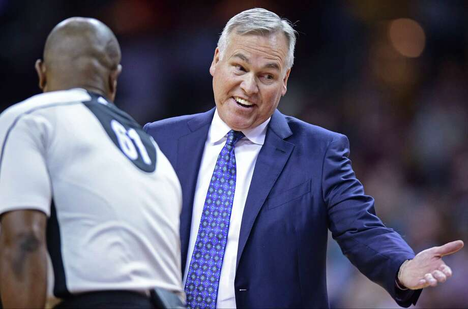 Houston Rockets head coach Mike D'Antoni, right, disputes a call with official Courtney Kirkland during the first half of an NBA basketball game against the Cleveland Cavaliers, Tuesday, Nov. 1, 2016, in Cleveland. (AP Photo/David Dermer) Photo: David Dermer, Associated Press / AP 2016