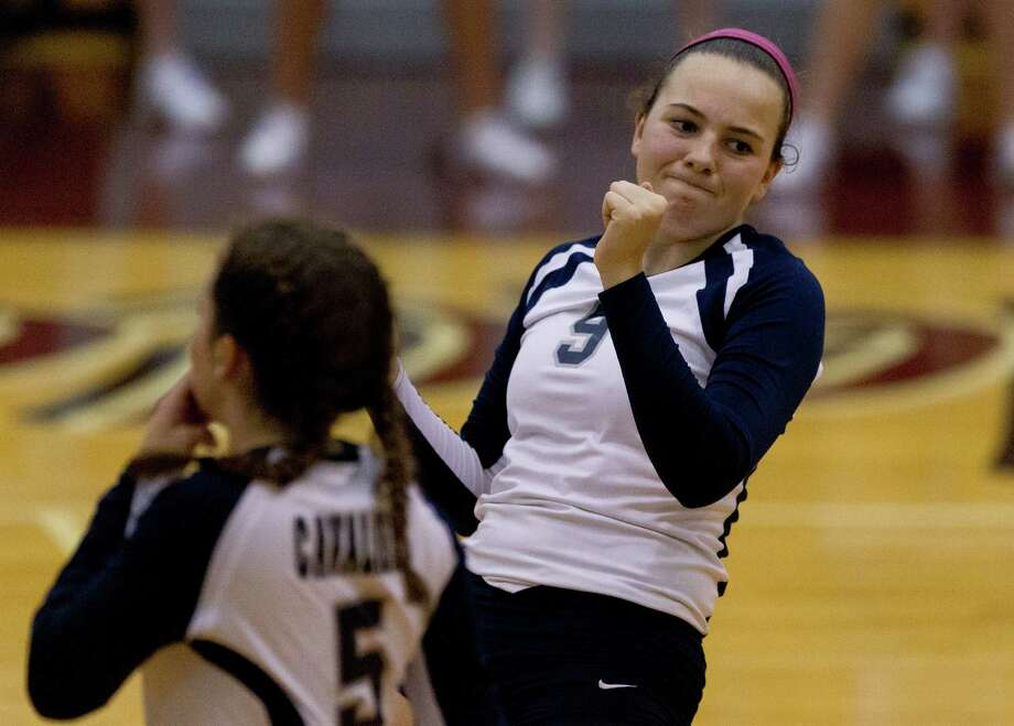 College Park setter Mackenzie Nunes (9) after missing a return during the third set of a Region II-6A bi-district high school volleyball match at Palestine High School Tuesday, Nov. 1, 2016, in Palestine. Rockwall defeated College Park 3-1. Photo: Jason Fochtman, Staff Photographer / Houston Chronicle